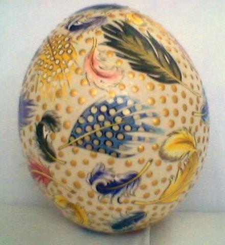 tüylü devekuşu yumurtası