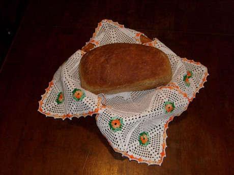 Ekmek sepeti danteli