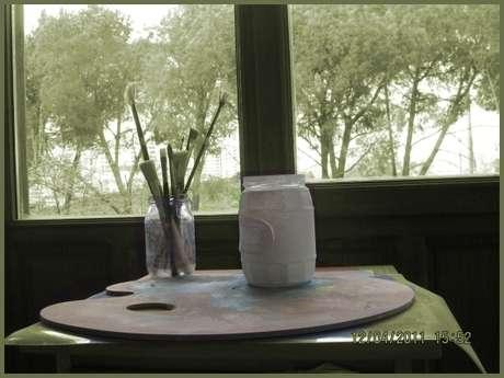 Pencere için karton yapıştırıp boyadım