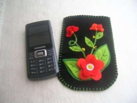 Süet kumaş üzerine keçe çiçekli cep telefonu kılıfı