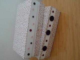 Düğmeli kutu