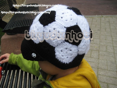 örgü futbol topu şapka