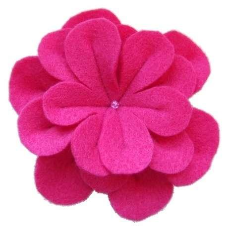 Beğendiğim pembe keçeden çiçek