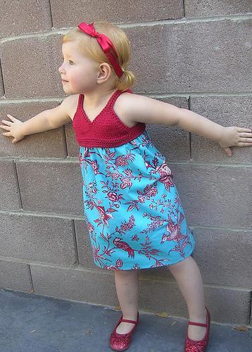 Çok Şirin Kız Bebek Elbisesi