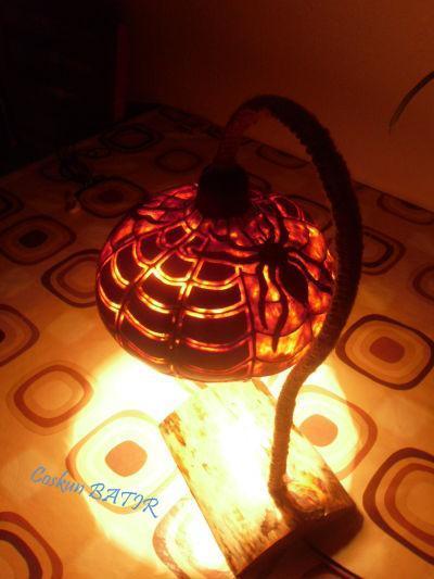 Örümcek su kabağı lamba