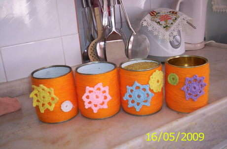 bunlarıda banyodan sonra mutfagıma yaptım konserve kutularımı artık çöpe atmıyorum geri dönüşüm projesine katkıda bulunuyorum bende