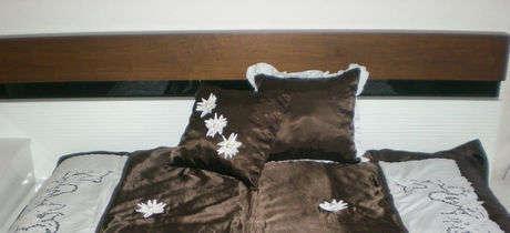 Beyaz iş Karyola Takımını değerlendirerek Yatak  Örtüsü yaptım.Tamamını görmek için buyrun