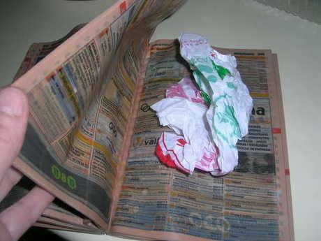tüm sayfalar ıslatılarak en az 4 - 5 saat bırakılır