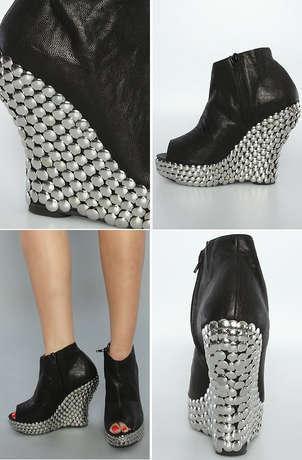 [تصویر:  shoes-3.jpg]