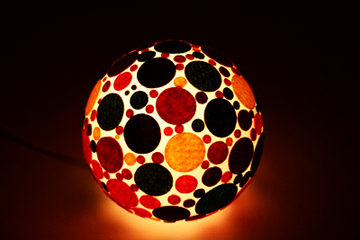 genç odalarına büyülü ışık topu
