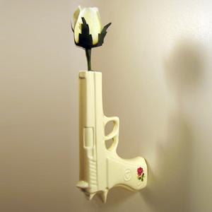 suck gun vase