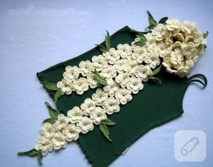 beyaz çiçekli zarif fular modeli