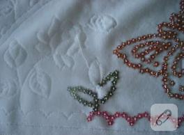 Boncuk işleme havlu kenarı örneği