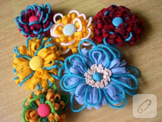 keçeden renkli çiçek yapımı