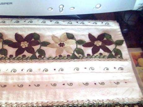 çiçekli havlu kenarı