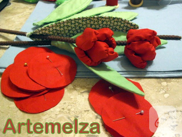 Dekoratif Örgü Çiçek Yapmak İsteyenlere Lale Fikri | 478x637