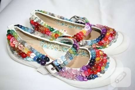 renkli-dugmelerle-cocuk-ayakkabisi-susleme
