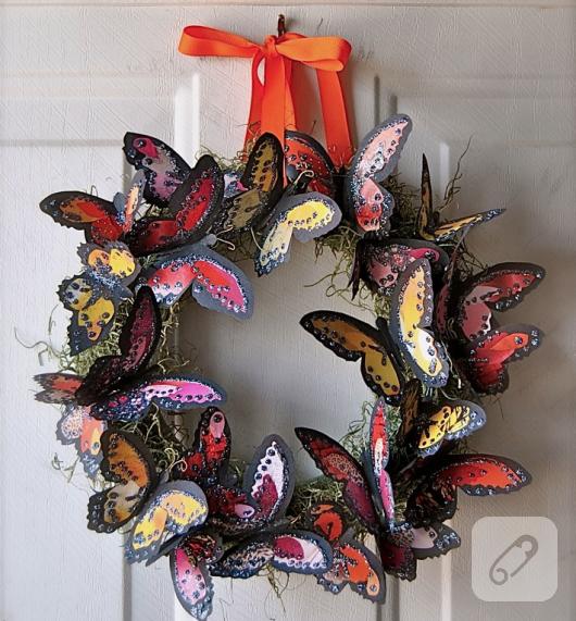 kagit-kelebekler-ile-guzel-kapi-susu