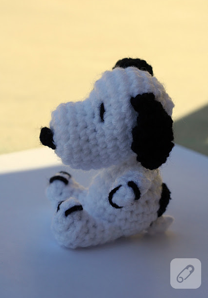 Büyük Amigurumi Snoopy Oyuncak - Aktif Moda | 608x425