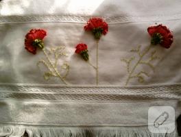 Kurdele nakışı havlu kenarı – karanfil tekniği