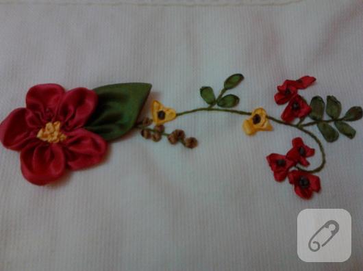 kurdele nakışı çiçek örneği