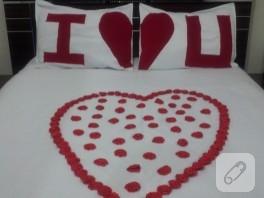 Kalpli Yatak Örtüsü ve Yastıkları