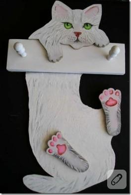Kedili Ahşap Askılık