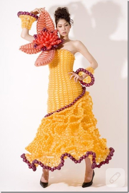 Balondan Yapılmış Elbiseler