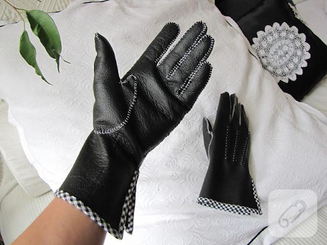Gloves – 09