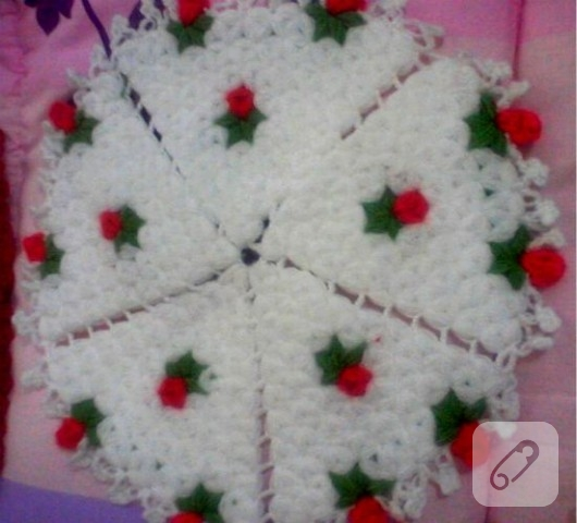 kırmızı çiçekli örgü lif