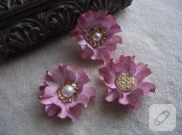 Kağıttan Çiçekler ve Düğmeler