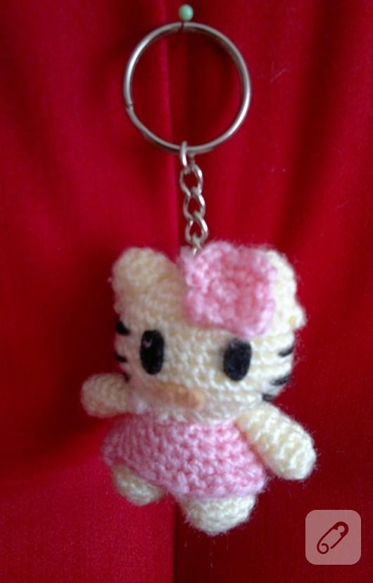 Hello Kitty Amigurumi Modelleri : Hello Kitty anahtarlik modelleri