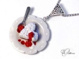 Frambuazlı pasta kolye