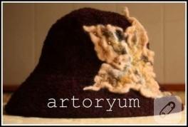 Keçe Çiçekli Şapka
