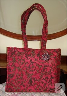 Kırmızı şık çanta