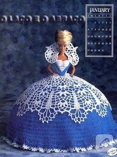 Barbie bebeklere dantel elbise yakışır..
