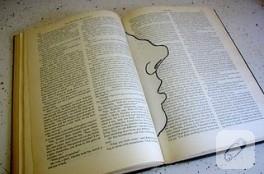 İLGİNÇ KİTAP AYRACI