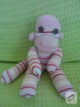 çoraplardan maymuna