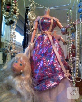 Barbie Bebekten Takı Organizer