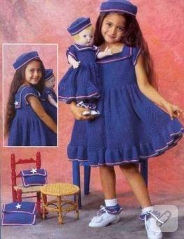 bebekleriyle aynı giyinmişler :)