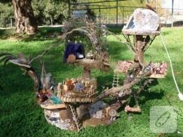 ağaç kütüklerinden peri evleri