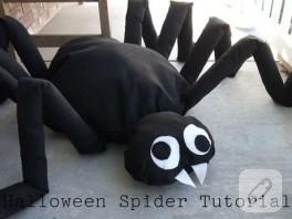 Yapılış aşamalarıyla büyük örümcek!