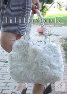 Güllerle çanta yenileme