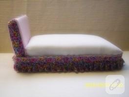 oyuncak bebek yatağı
