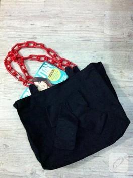 Kırmızı-siyah çantam