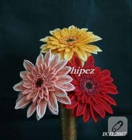 Boncuk çiçekler