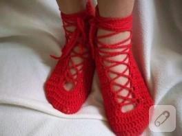 Kırmızı güzel bir patik modeli