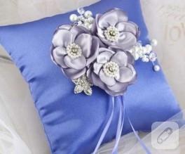 böle güzel yastık mı olur:))