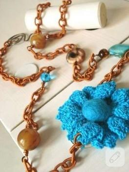 mavi örgü çiçek :))