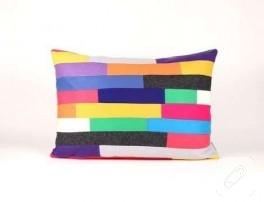 Renkli keçe kumaş yastık